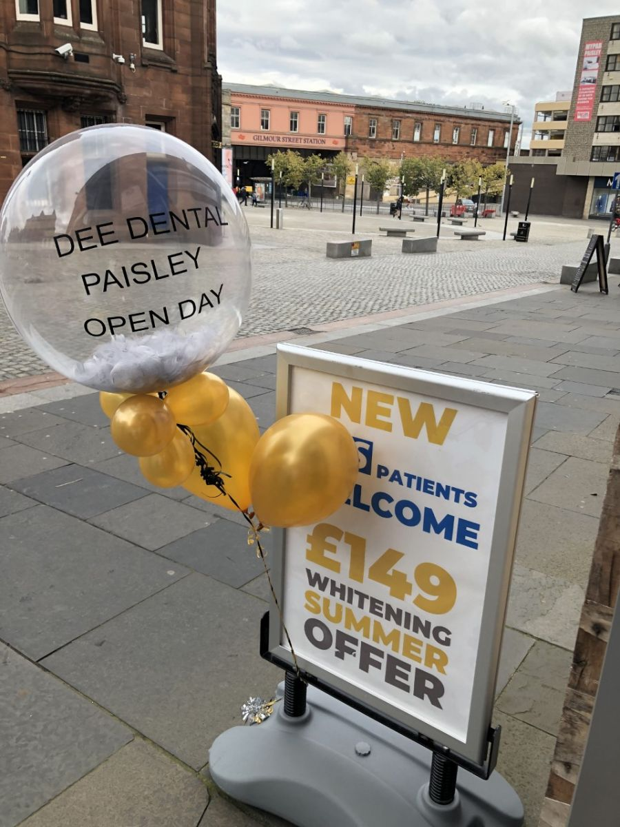 Whitening Summer Offer Sign With Balloons